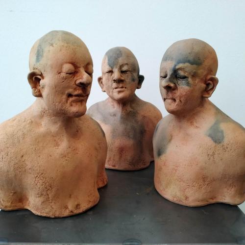 Soulsculptures. De 2 links staan prachtig op een plank bij elkaar bij aardige mensen.